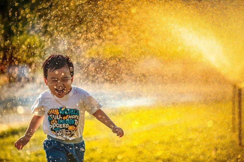 Lee más sobre el artículo Papel pintado infantil, 5 ideas que encantarán a los más pequeños