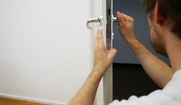 Qué es un cerrajero y qué hay que tener en cuenta antes de contratarlo