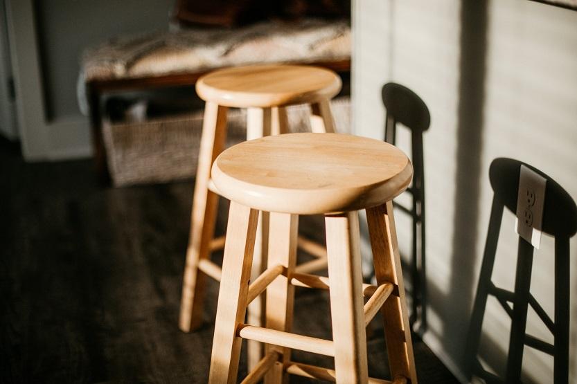 Lee más sobre el artículo Los mejores taburetes de cocina Ikea