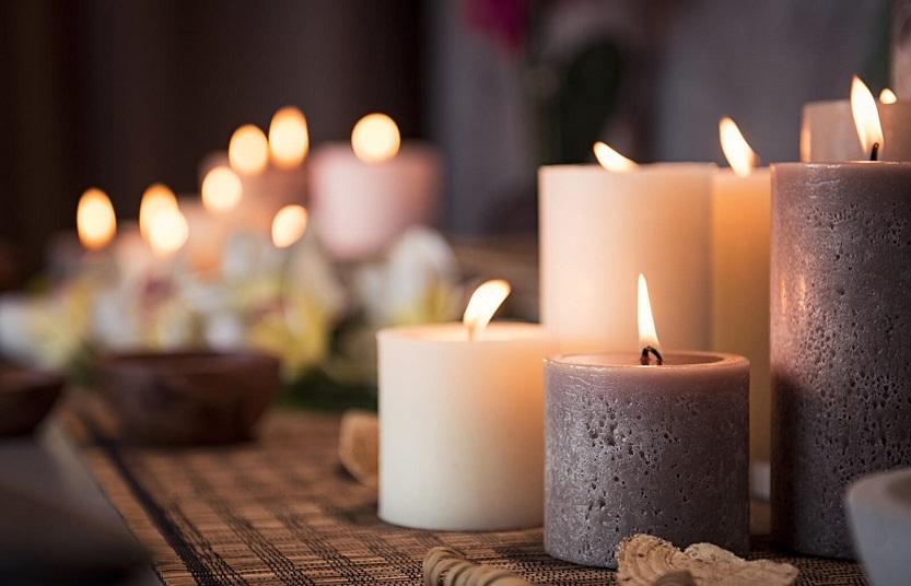 Lee más sobre el artículo Decorar tu salón-comedor con velas decorativas